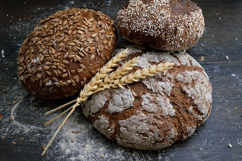 We are going over gluten. I'm Dr. Travis Zigler and I'm Dr. Jenna Zigler. In the next 10 minutes, we are going to go over a lot. We are going to go over what gluten is what it means to be gluten-free. We're going to go over gluten signs and symptoms, we are going to go over the 7 foods to avoid if you are gluten sensitive, and 9 steps to eating gluten-free.