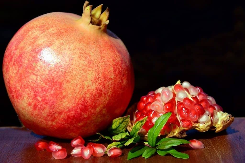 Pomegranate seeds for anti aging
